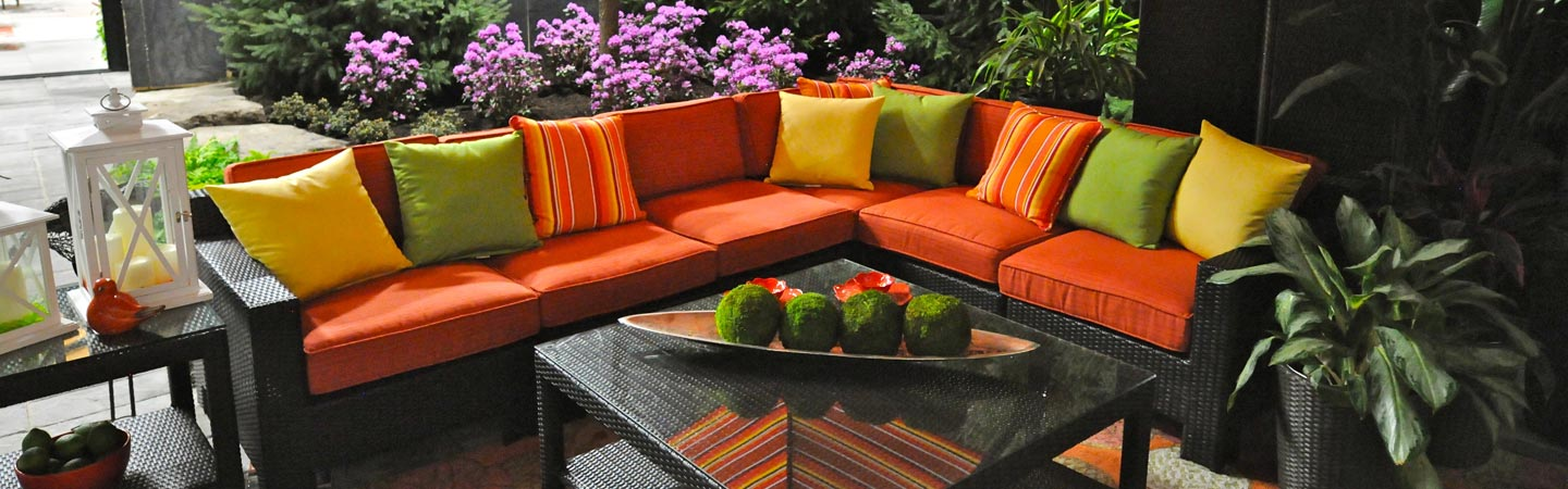 patio-with-colorful-furniture-50